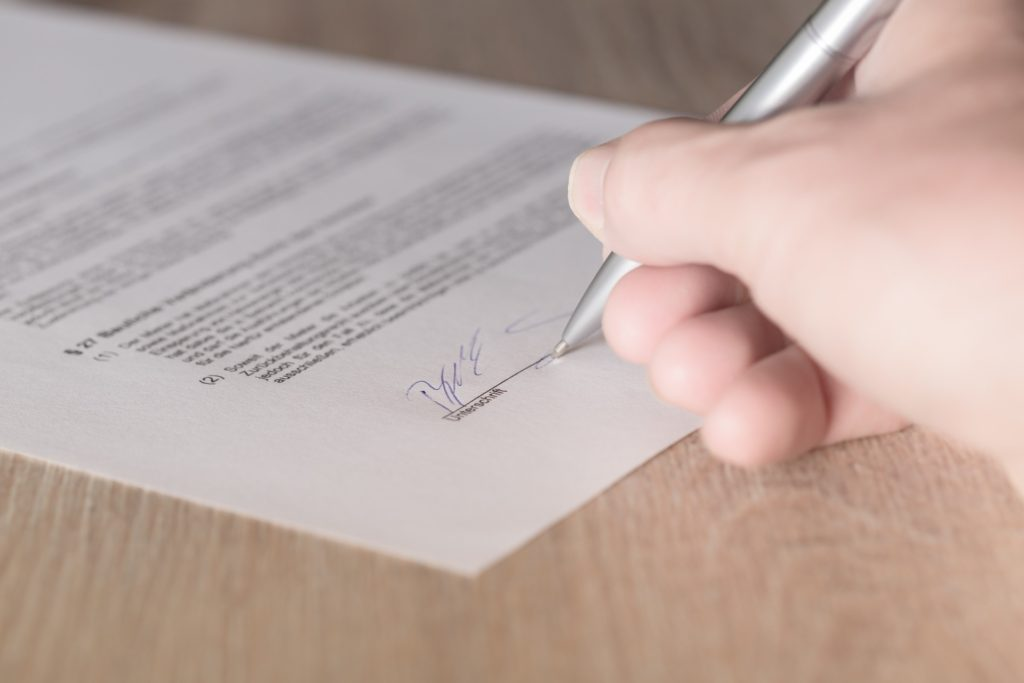 freelance writing contract mistakes